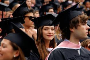 Aux États-Unis, un collectif rachète à bas prix les prêts étudiants