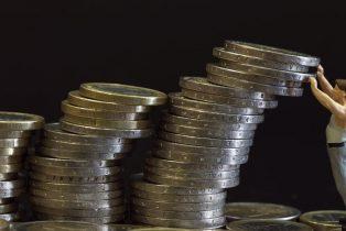Dette publique : la Cour des comptes juge l'objectif de baisse pour 2017 irréaliste
