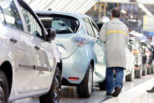 Renault annonce 3 000 embauches en CDI