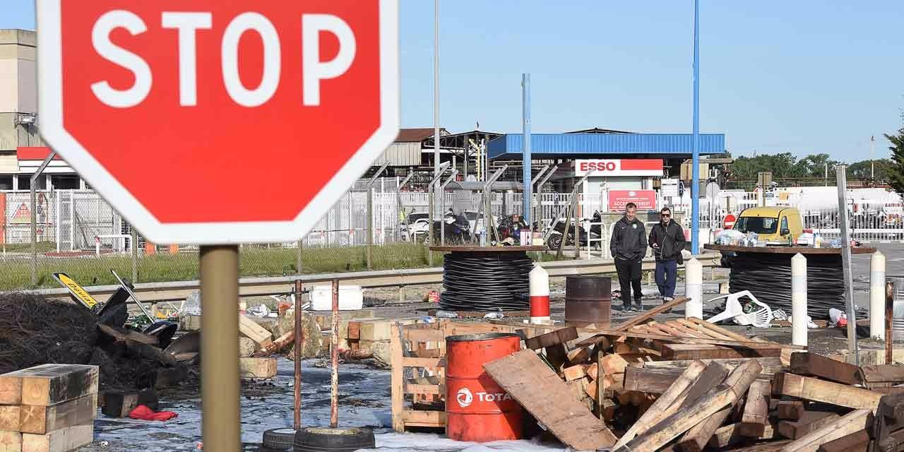 La-CGT-de-la-raffinerie-Total-de-Donges-annonce-une-greve-illimitee