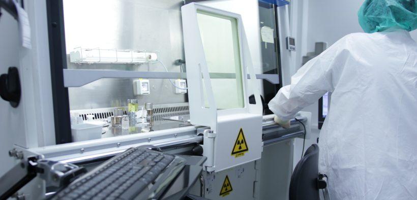 La pénurie de tests a encouragé les startups et les grandes entreprises à réadapter leur capacité de production à la crise sanitaire actuelle.